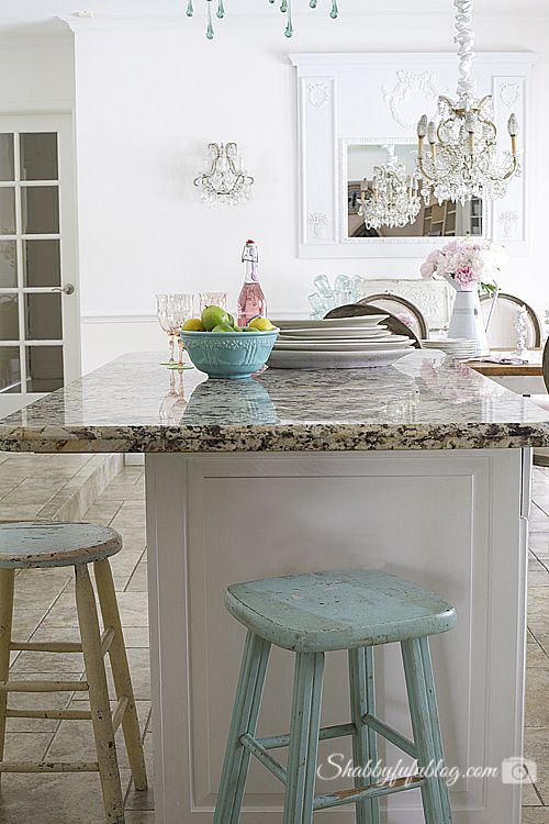 Serene Summer Home Tour - Coastal French Elegant Style In Miami - shabby chic küchen