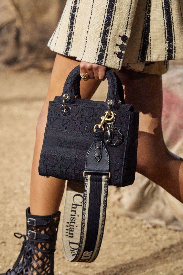 Christian Dior Frühjahr/Sommer 2020 Ready-to-Wear - Details | Vogue Germany