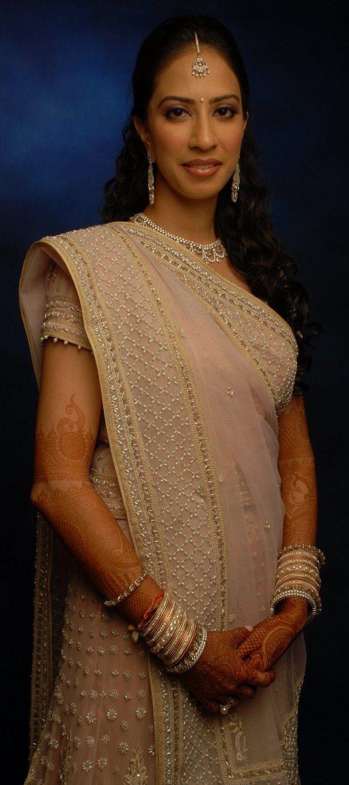 Gujarati saree draping image by SasiRekha Siri | Saree draping styles, Saree, Sari