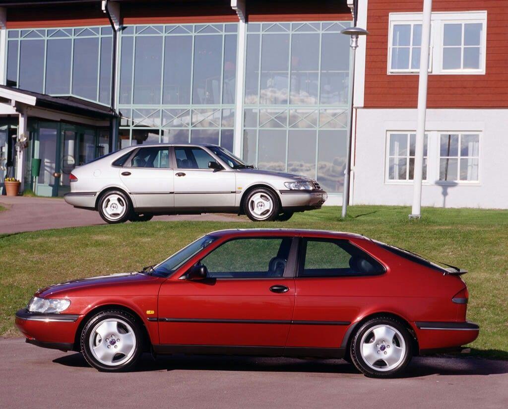Saab 1997 saab 900 : Official Saab Brochure Image Of The 1997 Saab 900ng SE 5-Door & 3 ...