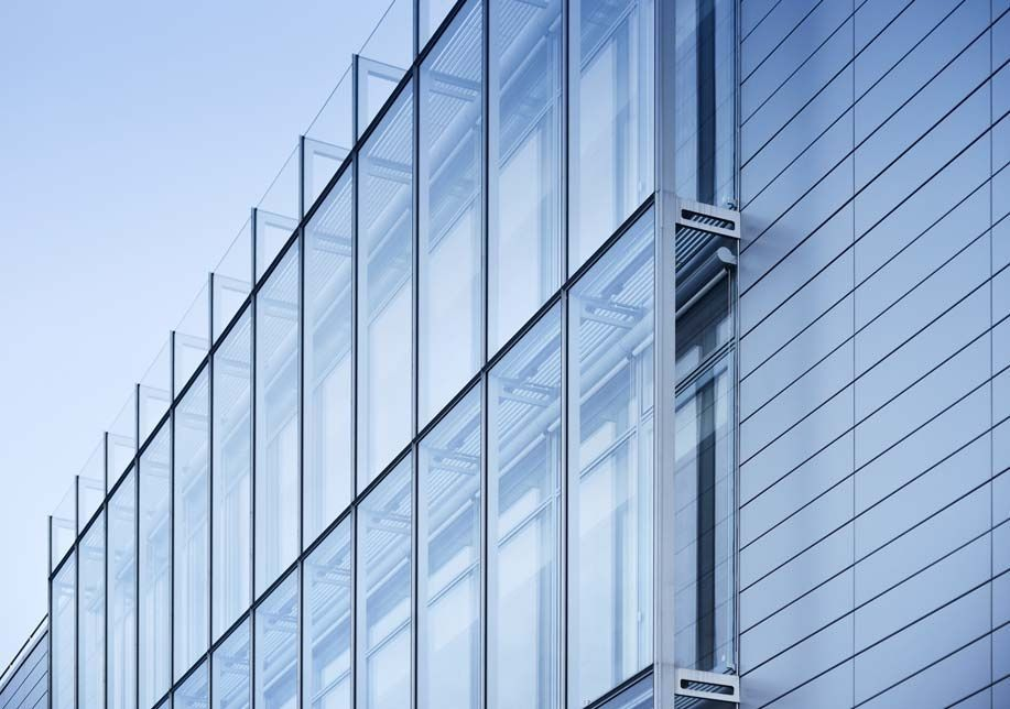 Curtain Wall Building Design : Curtain wall in aluminum and glass iguzzini