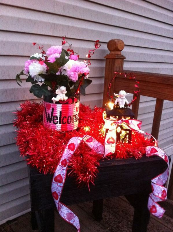 Outdoor Valentines Decorations