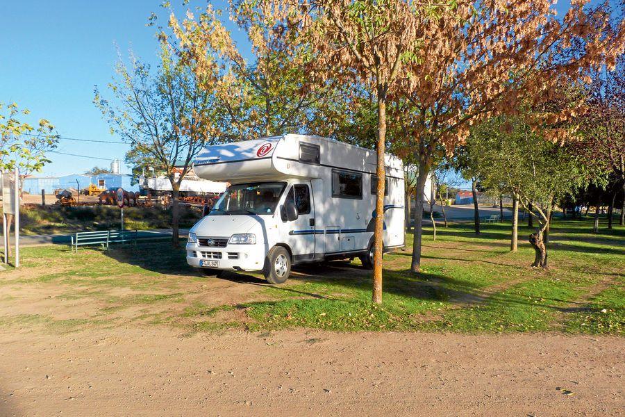 Stellplatz-Tipp Logrosán in Extremadura: Der Wohnmobil-Stellplatz Area de Aparcamiento para Autocaravanes liegt im spanischen Logrosán in der Provinz Cáceres. Er ist etwas für Leute die das ursprüngliche Spanien und heiße Sommer lieben. http://www.promobil.de/stellplaetze/stellplatz-tipp-mit-dem-wohnmobil-in-der-extremadura-das-urspruengliche-spanien-erkunden-6524237.html