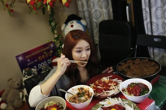 South Korea's Latest Food Craze: No One Has To Dine Alone | SheSpeaks Blogs