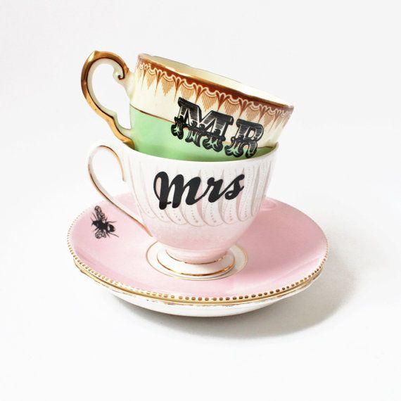 Mr & Mrs vintage teacups set van yvonneellen op Etsy, $86.00