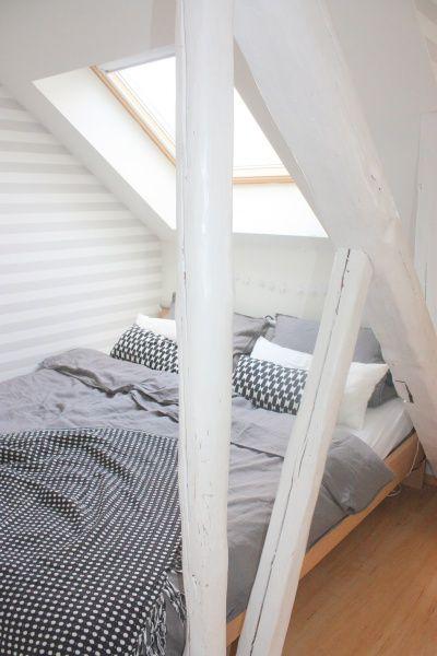 graue Bettwäsche wink Dachfenster, Sternenhimmel und Ausblick - schlafzimmer einrichten graues bett