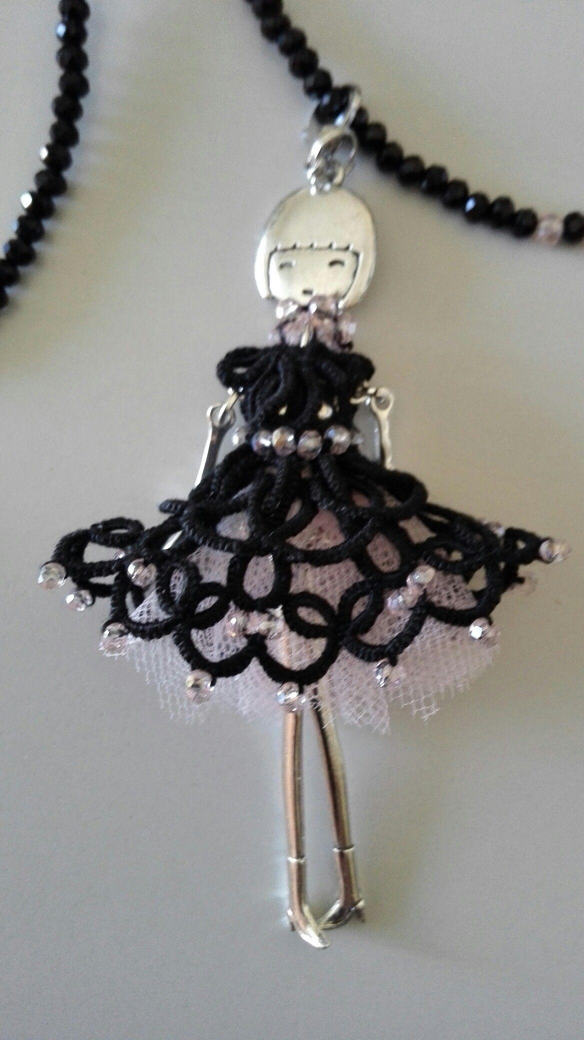 meglio outlet in vendita selezione speciale di Ciondolo bambolina con vestitino a chiacchierino | bambole ...