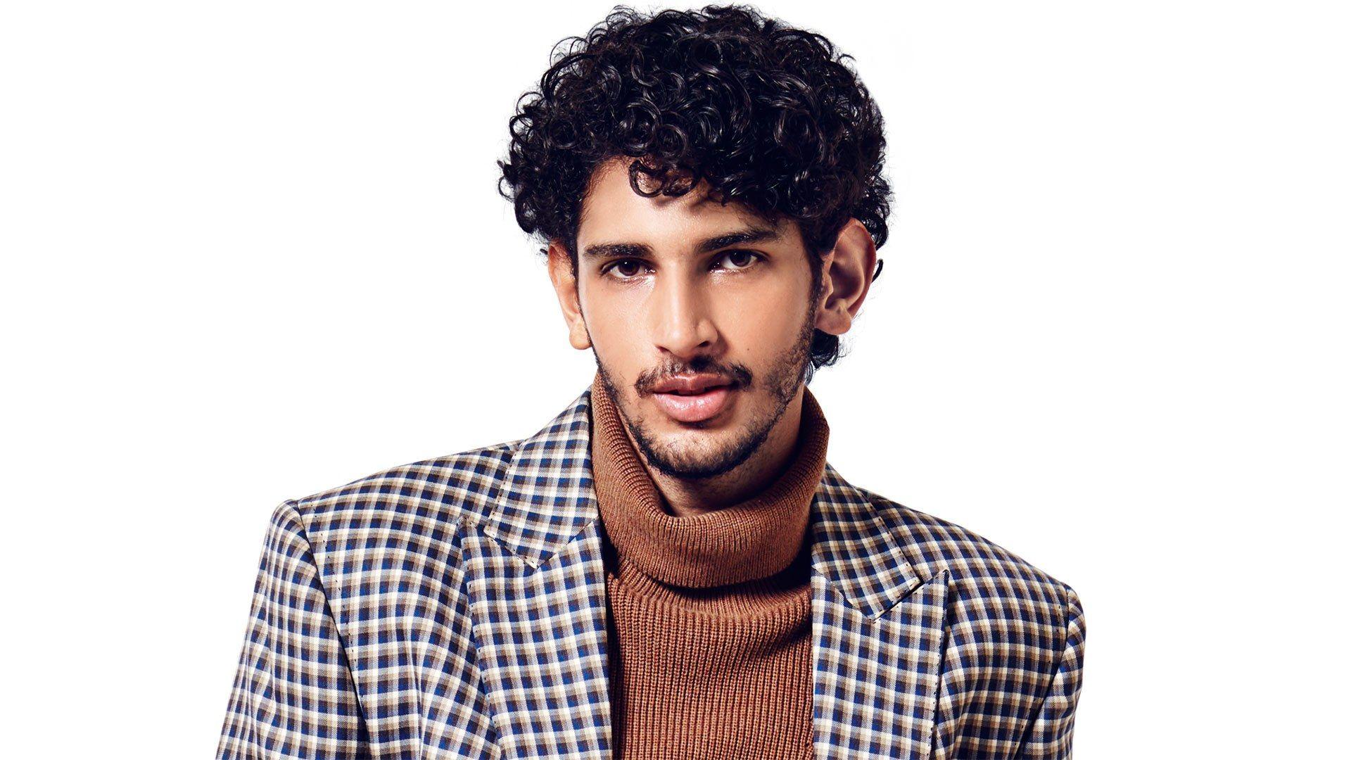 21 Wahnsinnig Coole Frisuren Fur Indische Manner Frisuren 2019 Neue Haarschnitte Und Haarfarben Wavy Hair Men Curly Hair Styles Mens Hairstyles