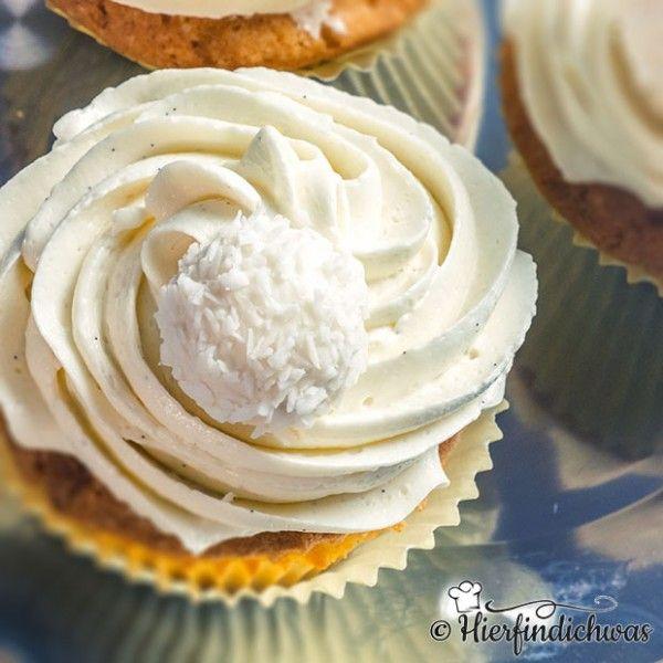 Raffaello-Cupcakes mit weißer Schokolade und Topping