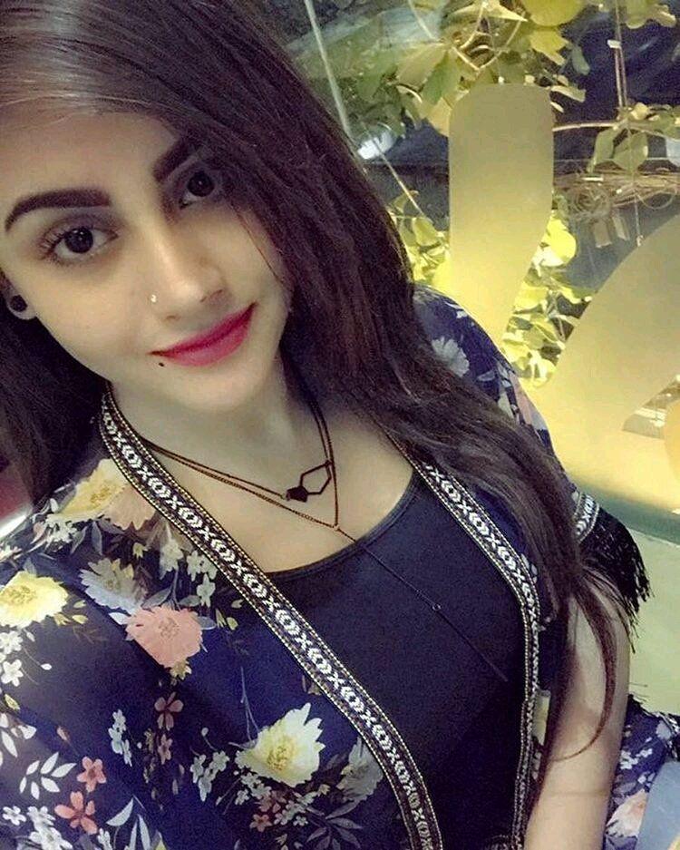 طبيبه مصرية ابحث عن تعارف جاد بهدف الزواج من مهاجر مصري في ايسلندا Beauty Women Girl