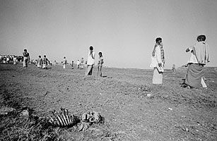A 1971 Photograph From A Mass Grave Near Dhaka That Contained The Bodies Of Bengali Intellectuals Taken During The War For Ba Independence War Photo Dump Body