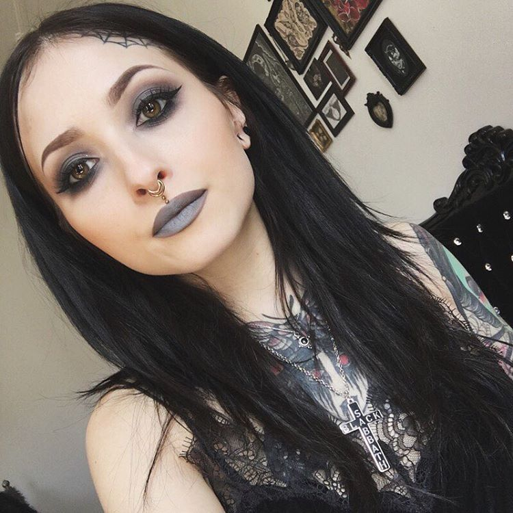 "Sofa Oblina on Instagram: ""deadly nightshade @necromancy_cosmetica  #necromancycosmetica #deadlynightshade"""