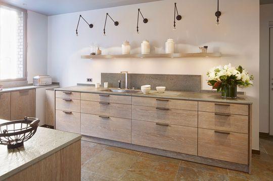 cuisine style maison de campagne en bois cuisine en ch ne ch ne clair et nouvelle cuisine. Black Bedroom Furniture Sets. Home Design Ideas