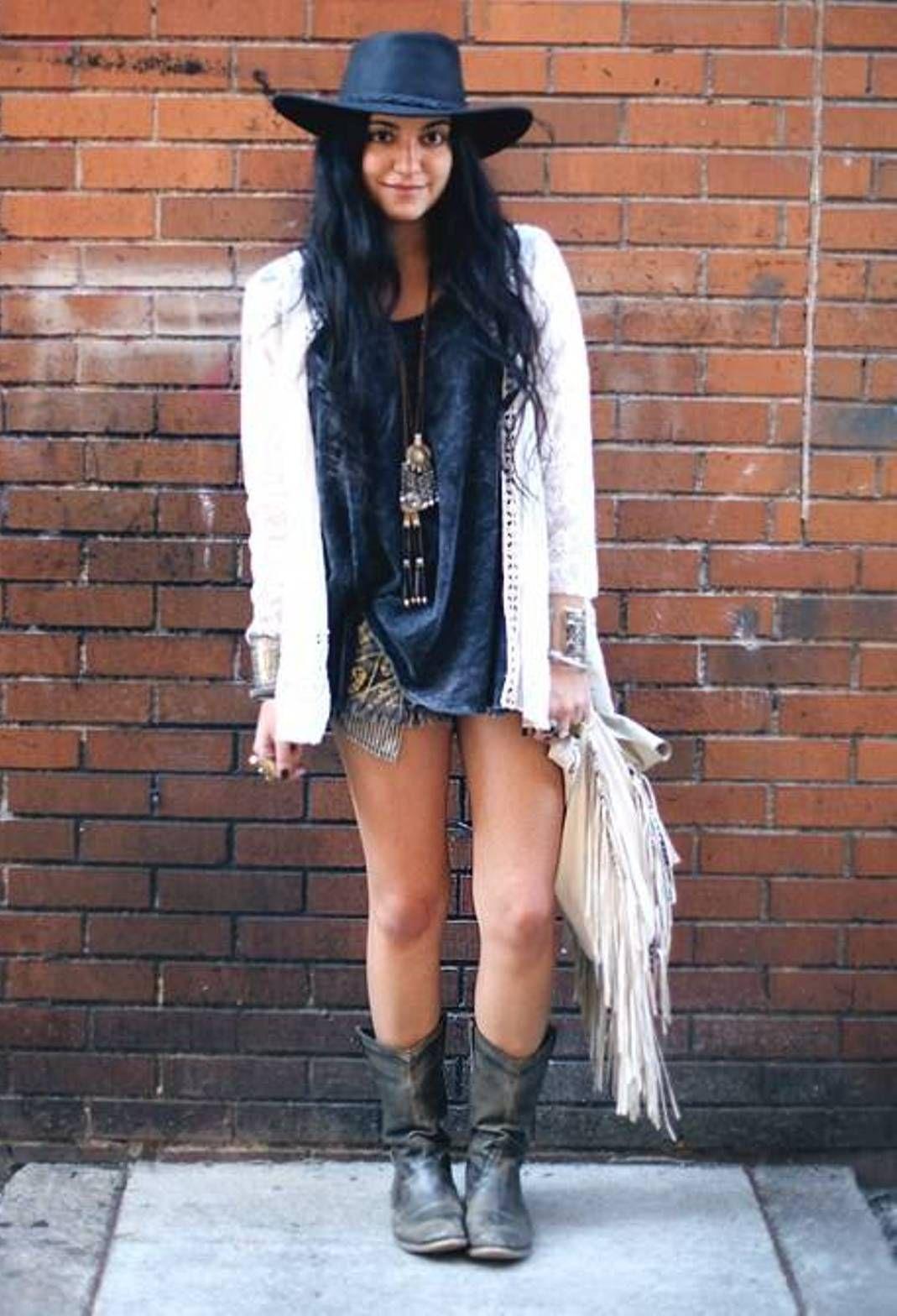 17 Best images about ÇİZMELİLER on Pinterest | White jeans, Boots ...