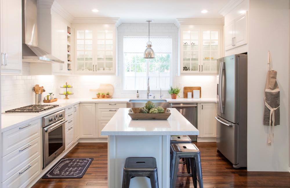 White IKEA Modern Farmhouse Style Kitchen in 2020 Modern