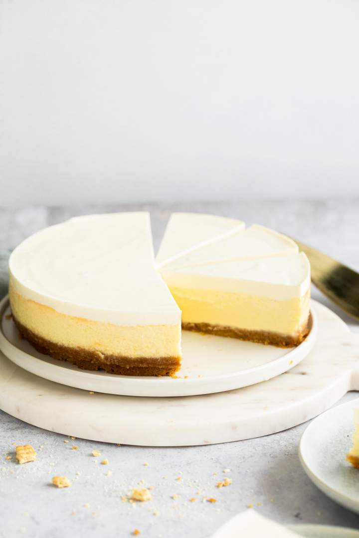 Sour Cream Cheesecake Recipe In 2020 Sour Cream Cheesecake Sour Cream Recipes Easy Cheesecake Recipes