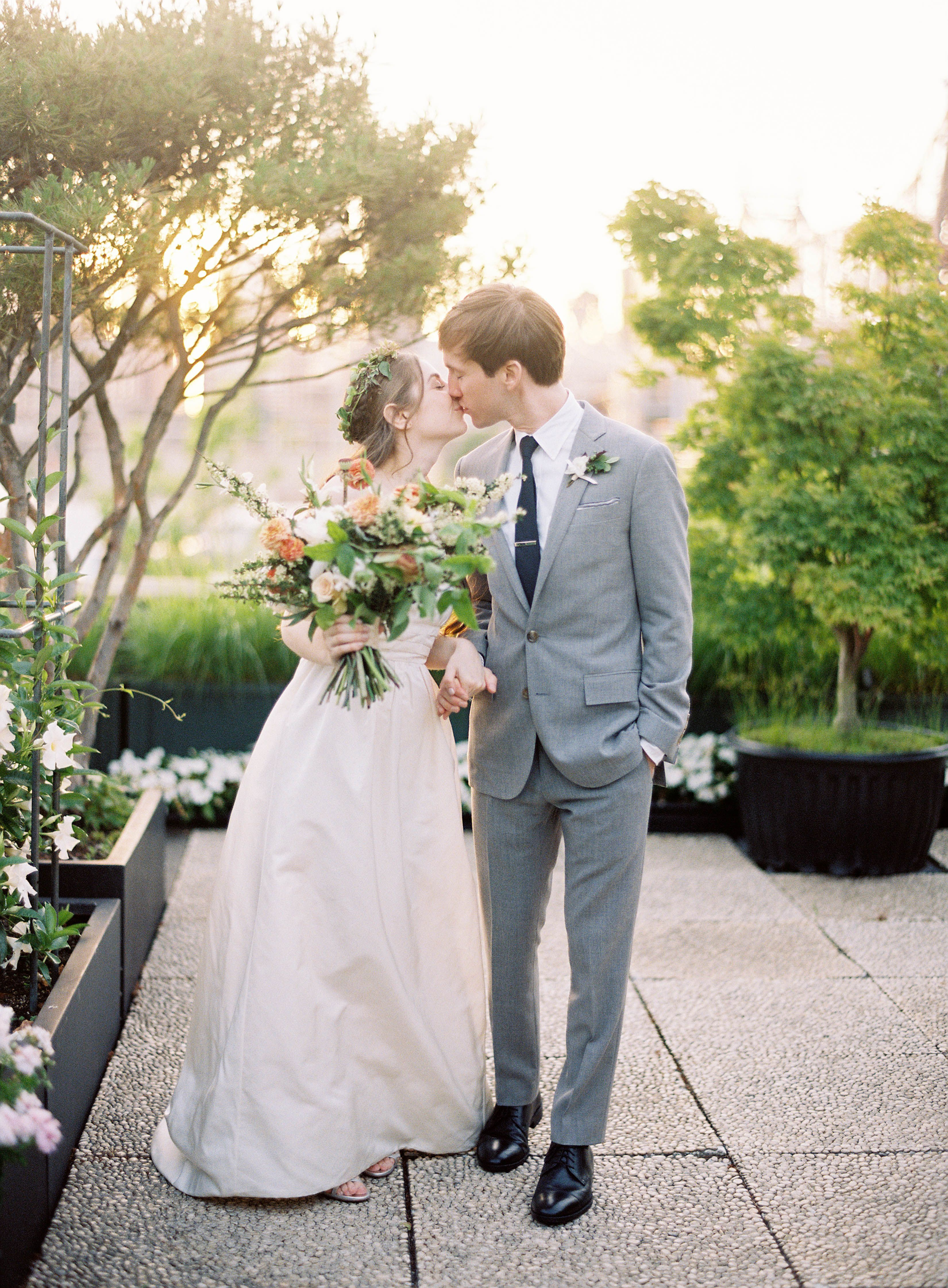 Modern NYC Wedding at The Foundry   photography by http://www.jenhuangphoto.com