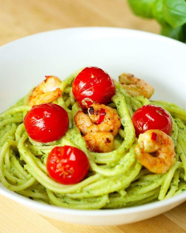 Diese Spaghetti mit Garnelen und Avocado sind die ultimative Kombi,  Diese Spaghetti mit Garnelen u