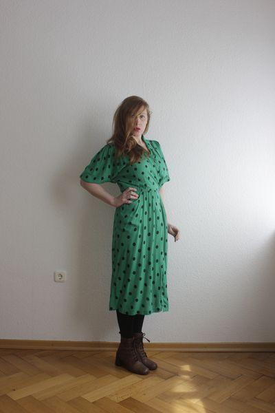 Green Dots 90er Vintage Kleid von OLENKA auf DaWanda.com ...