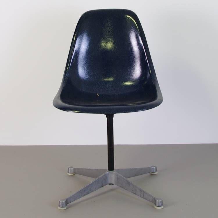 Herman Miller Charles & Ray Eames Fiberglass PSC chair