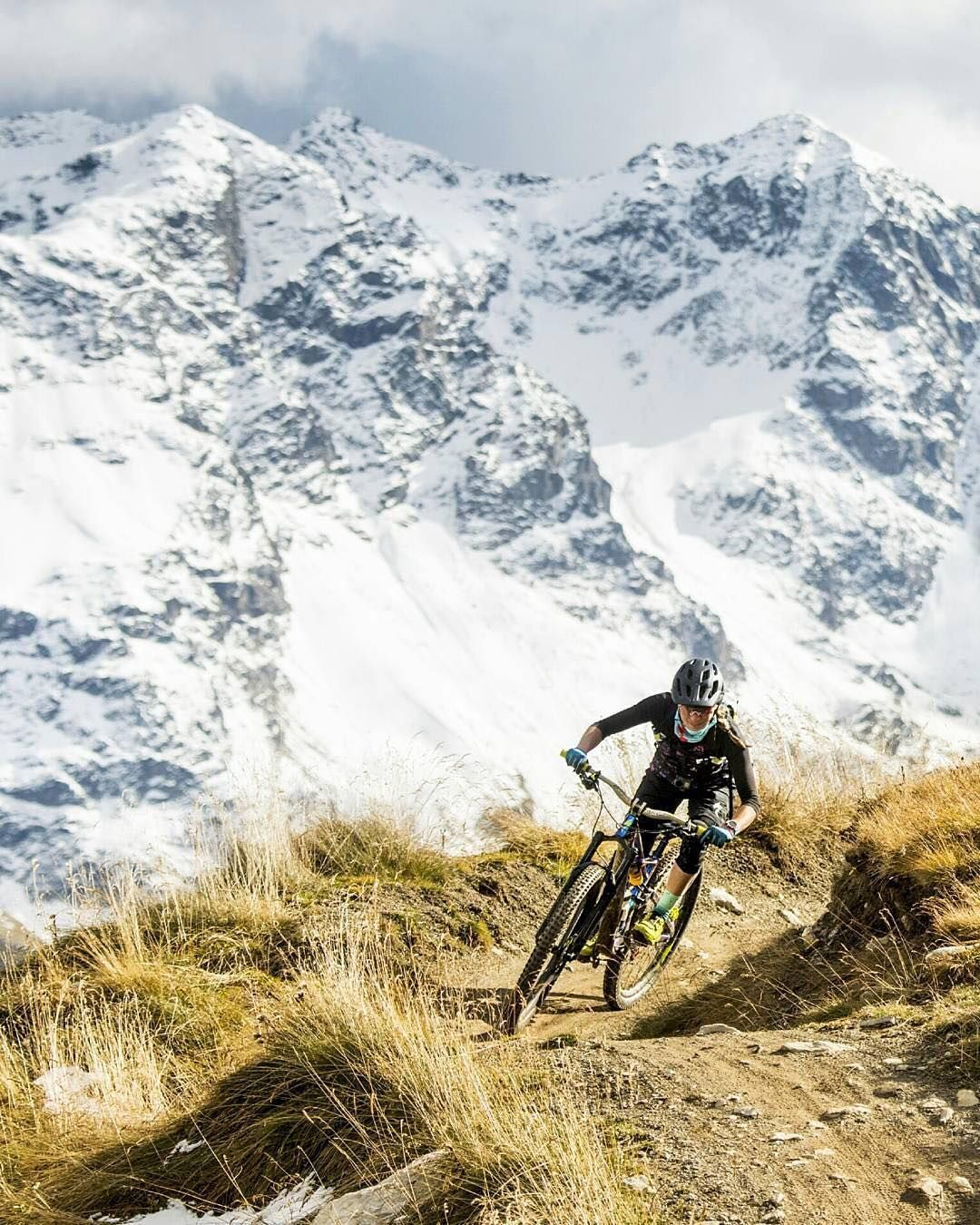 Pin By Quipmo On Mountain With Images Mountain Biking