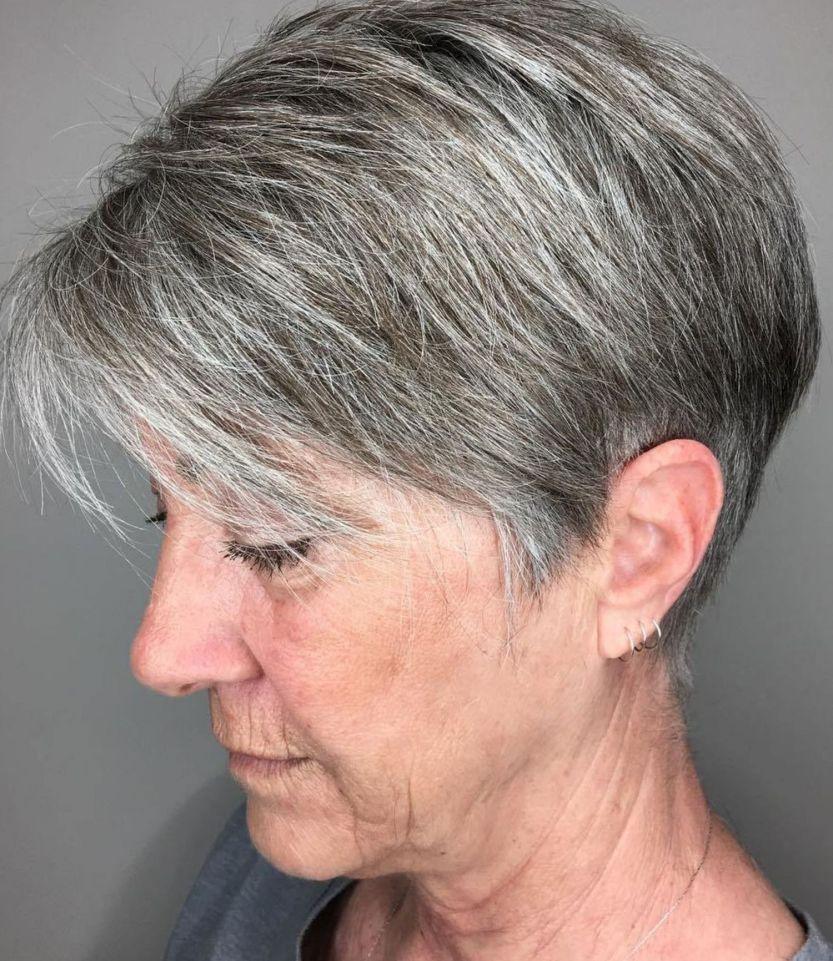 Épinglé sur cheveux court pour femme