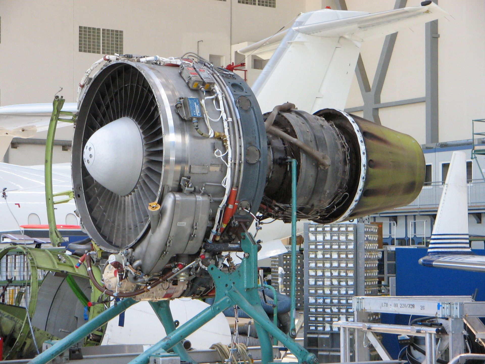 Ly ing ALF 502 is a geared turbofan engine produced by Ly ing