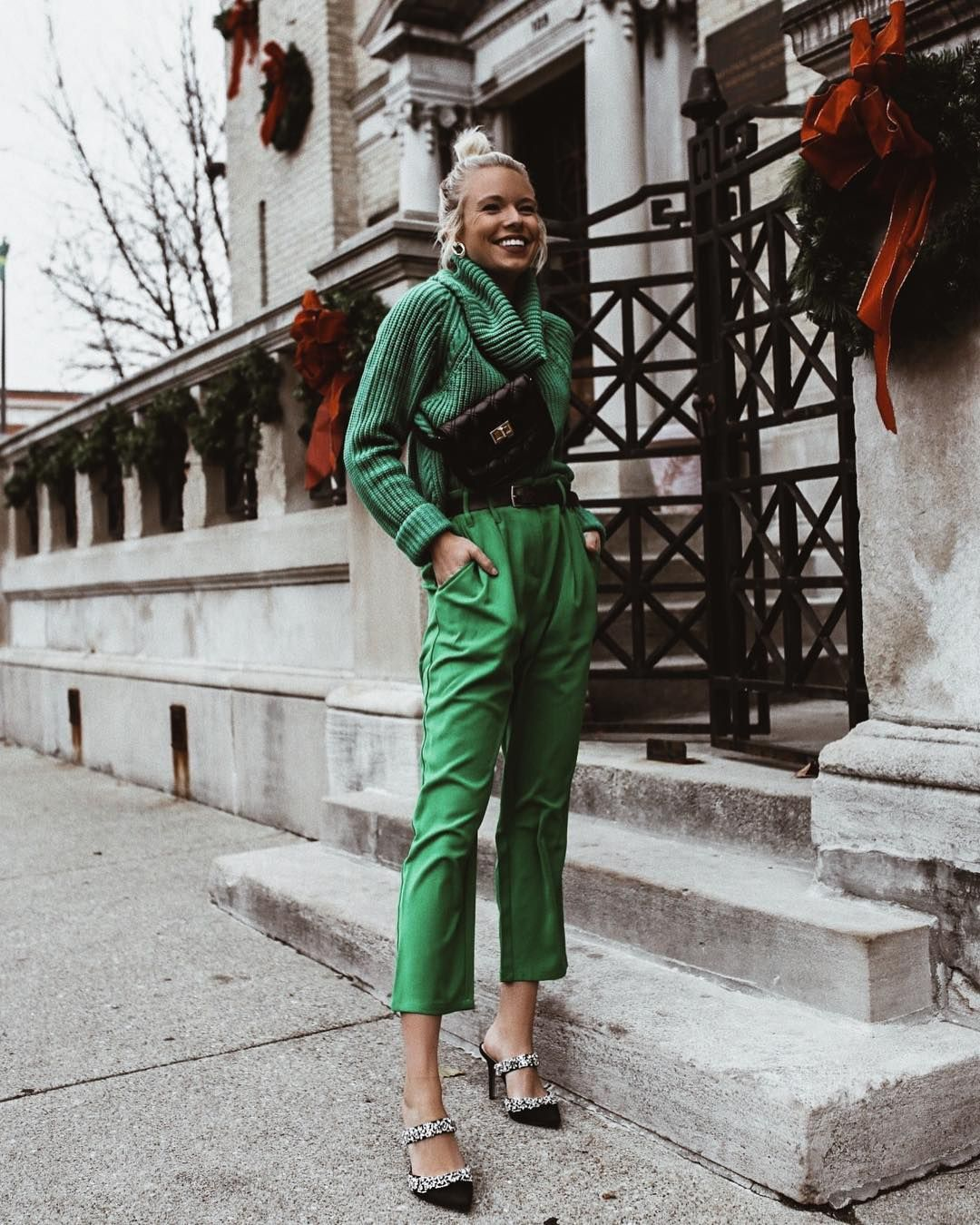 Total green outfit  Fashion, Monochromatic fashion, Green outfit