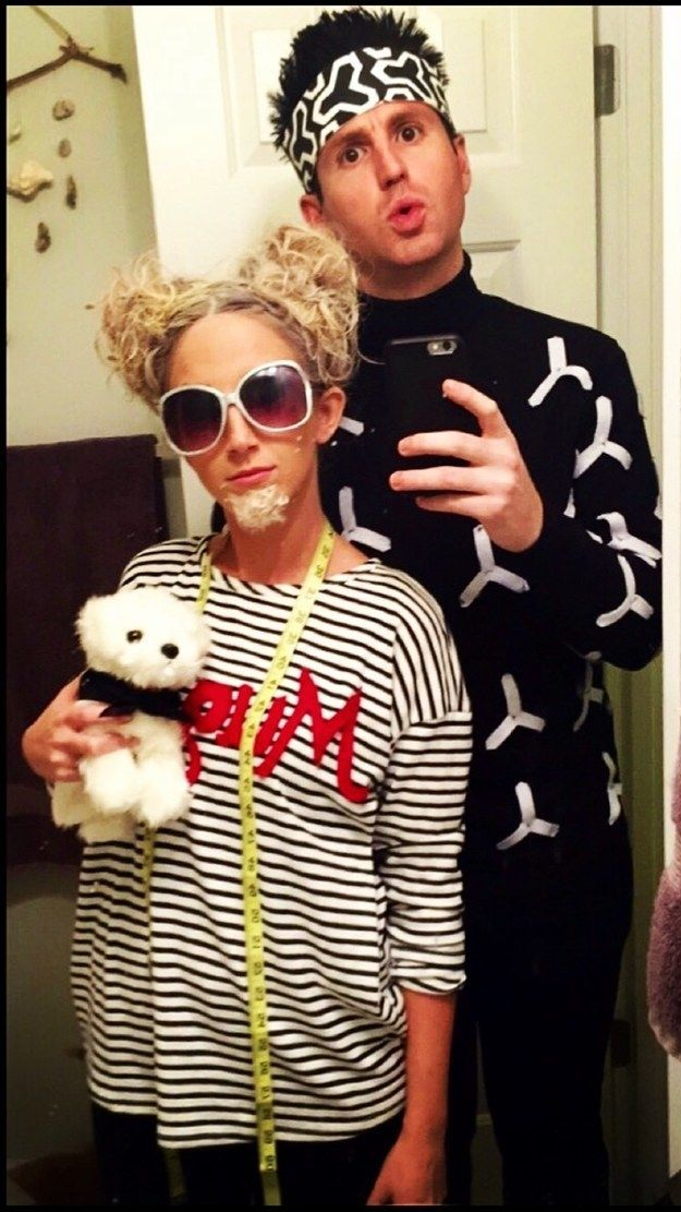 31 Two-Person Costumes That Are Borderline Genius #funnyhalloweencostumes