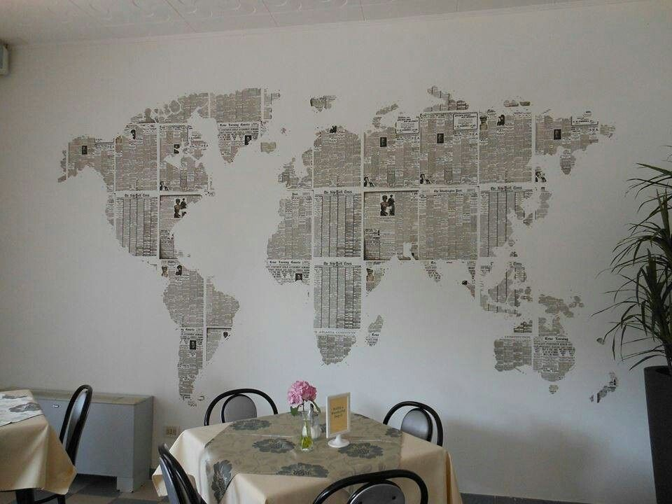 Weltkarte aus Zeitungspapier