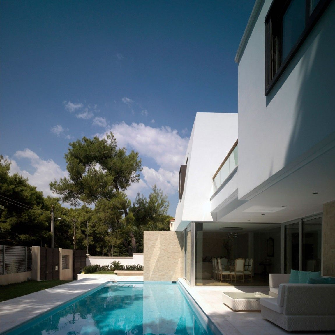 Residential house In Ekali, Greece by Architect Thanos Athanasopoulos