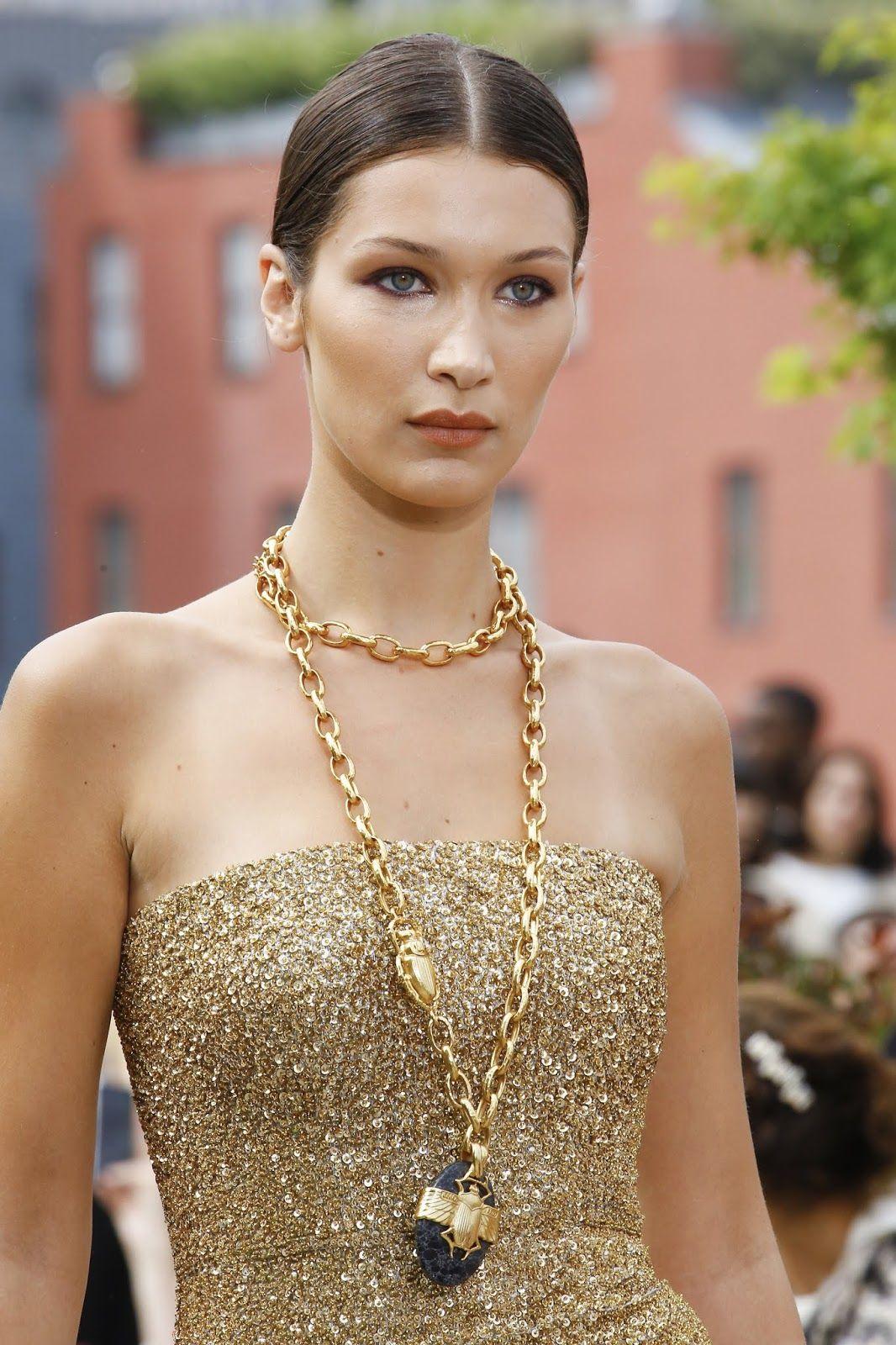 OSCAR DE LA RENTA Simply Gorgeous   ZsaZsa Bellagio – Like No ...