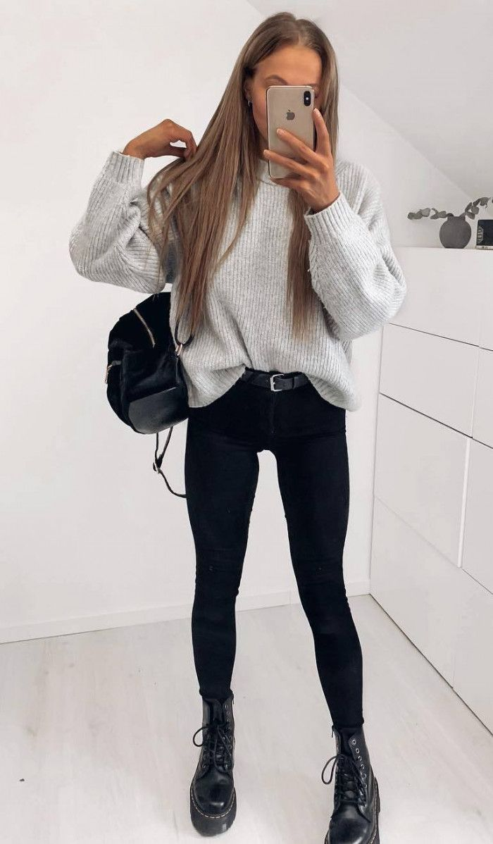 incroyable tenue dautomne  pull gris  sac  skinnies noirs  bottes