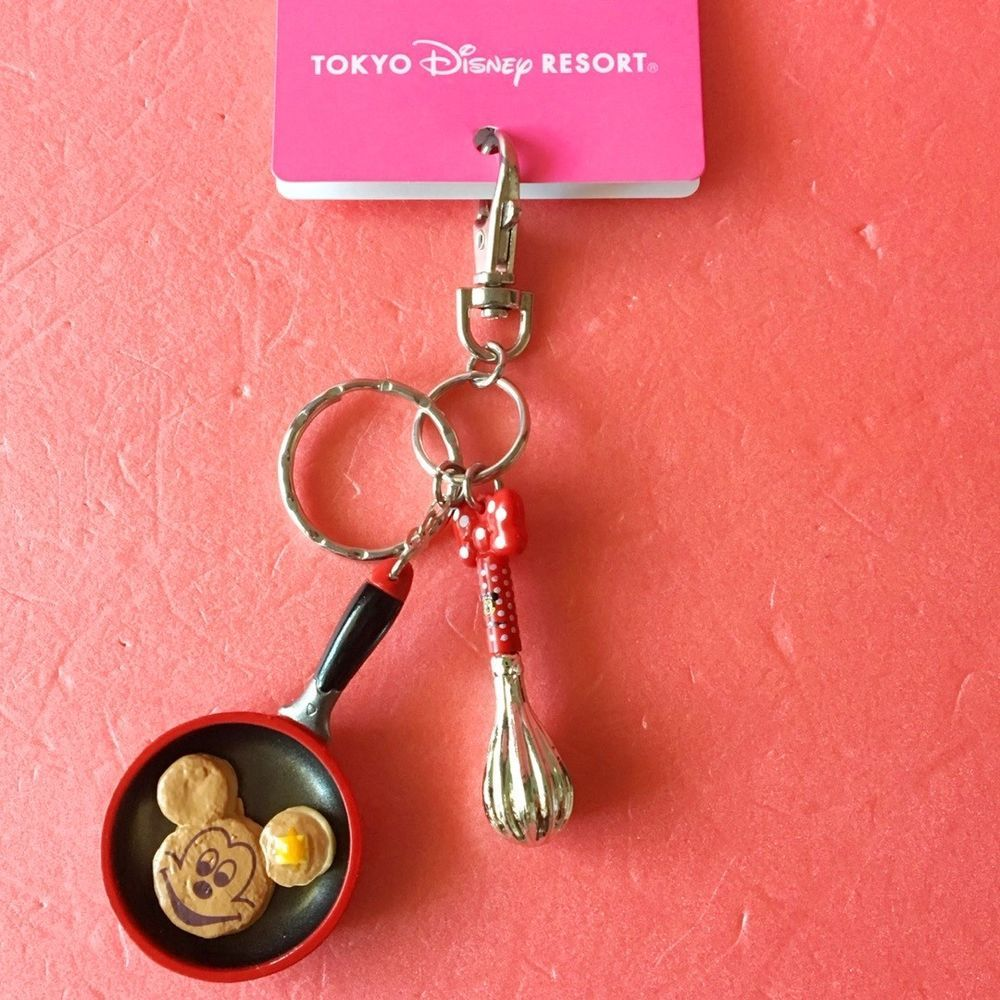 Disney Parks Mickey Mouse Club Keychain With Mickey Ear Hat Charm New