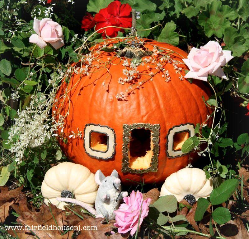 Cinderella Pumpkin Carriage. #Halloween #DIY #pumpkin