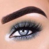 Ein Lidschatten, der die blauen Augen hervorhebt, ist auf meinem Blog !! Überpr…