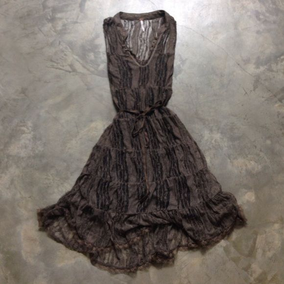 Free People Lace Dress Free People Lace Dress with full body conscious black cami lining. Size M, with a belt strap for waist line definition. Length of the lace dress is 40 inches from shoulder, length of the lining is 32 inches. The black cami lining is removable. Free People Dresses Midi
