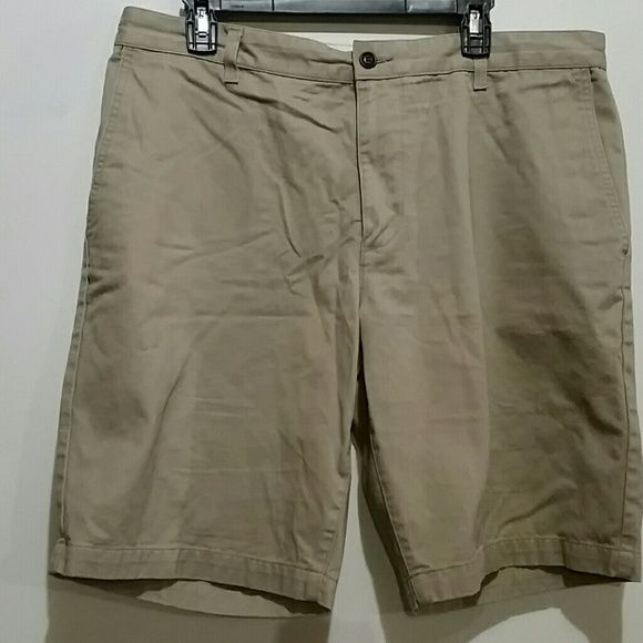 Men's Dockers shorts size 36 Still in nice condition no holes / stains Shorts