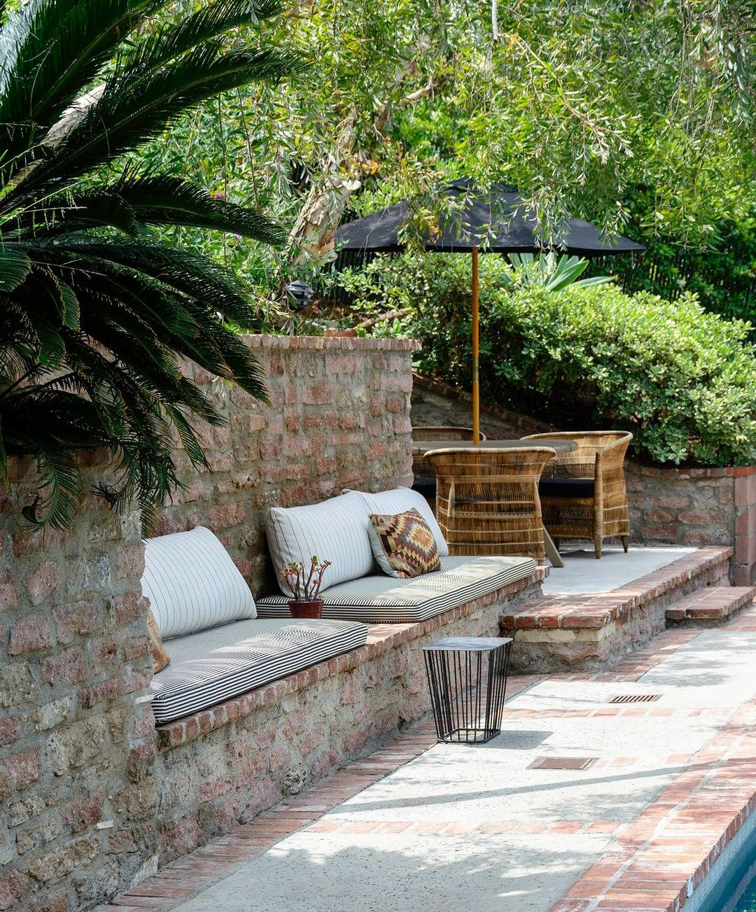 40+ Backyard Oasis Design That Make Your Garden More Wonderfull #backyardoasis