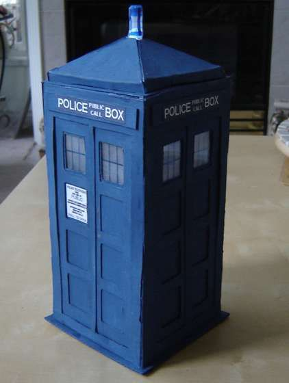 How to make a tardis model so i stole a timelord and i ran away pinterest schachteln and - Tardis selber bauen ...
