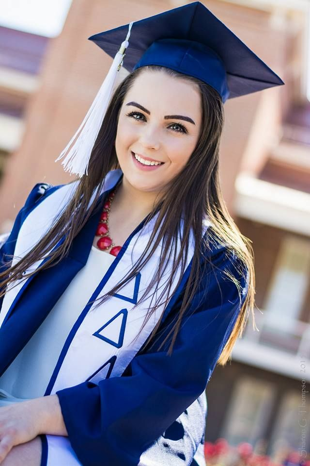 Graduation Photo #wildcats #UofA ©vivaforzaphotography University of ...