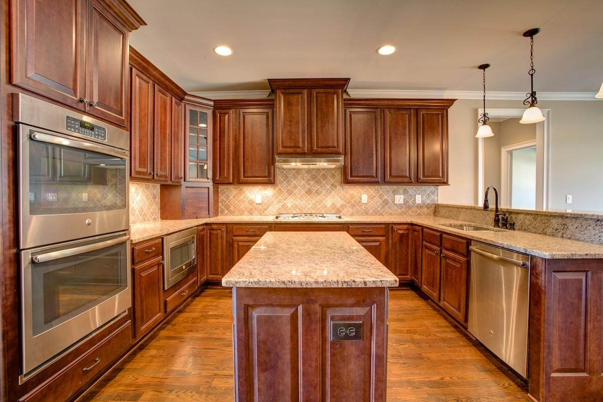 The Charleston Executive New Homes In Huntsville Al Kitchen Cabinets Cabinet New Homes