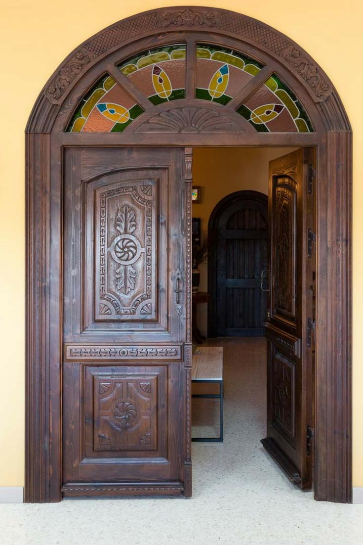 Puerta De Madera De Dos Hojas Con Arco Diseño De Puertas Modernas Puertas De Madera Puertas De Madera Maciza