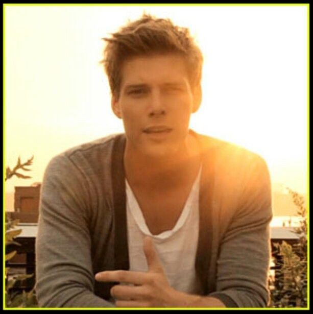 Hunter Parrish | Hunter parrish, Blonde guys, Future boyfriend Logan Lerman And Hunter Parrish