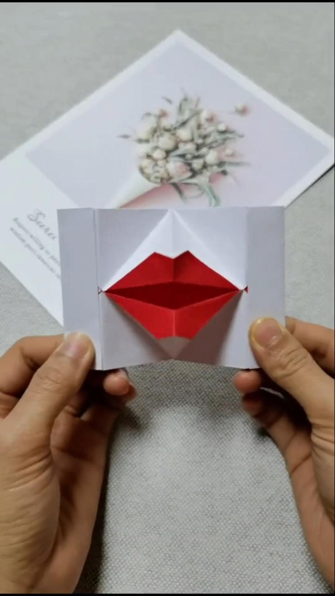 Diy Lip Paper Craft Video In 2020 Paper Crafts Diy Paper Crafts Paper Crafts Diy Tutorials