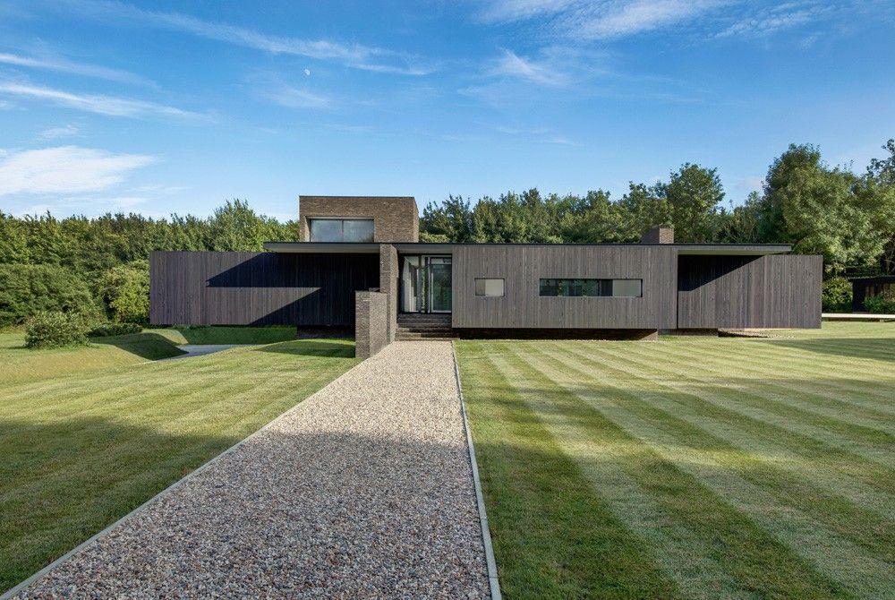 Maison contemporaine en briques noires maisons contemporaines brique noire et contemporain