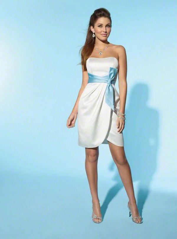 Popular Short Wedding Dresses with Color Accents