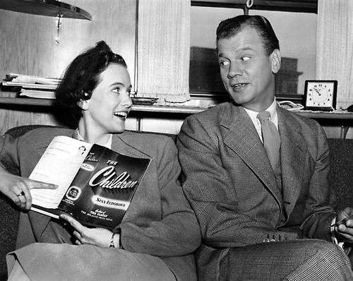 Teresa Wright and Joseph Cotten hanging around during Shadow of a Doubt