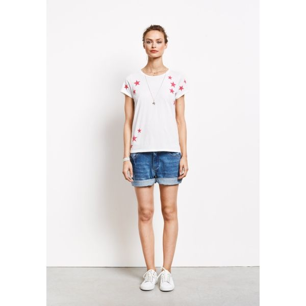 I have just purchased Scatter Star Tee from Hush - https://www.hush-uk.com/womenswear/daywear/tops/scatter_star_tee_white_fuchsia_star.htm