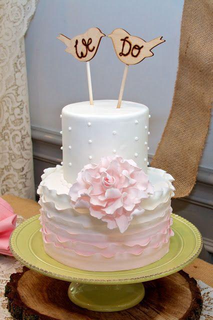 Cake: A Piece O'Cake Bakery, East Lansing, Michigan. Reception: Hawk Hollow Golf Course. Tammy Sue Allen Photography.